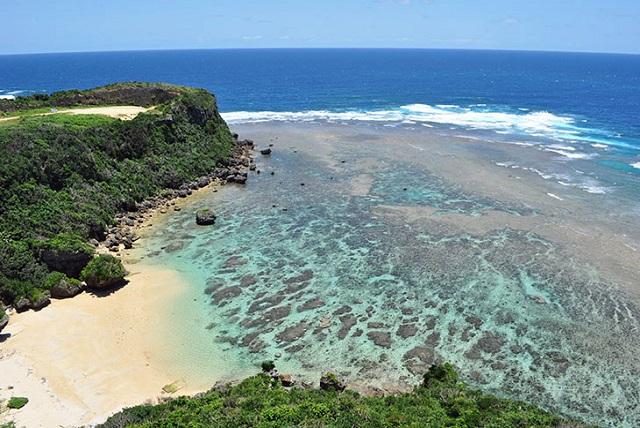 冲绳的能量景点;据说会呼唤幸福的Uruma市之岬角「果报崖(Kafu Banta)」