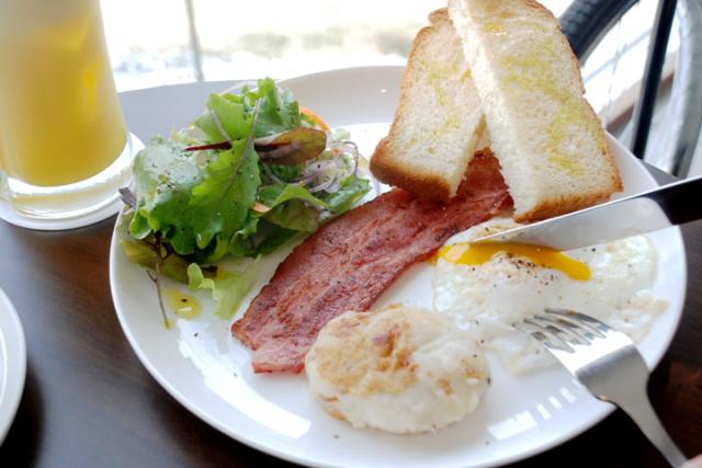 渡假村式的早餐、在Maeda Breeze享用正宗美式早餐
