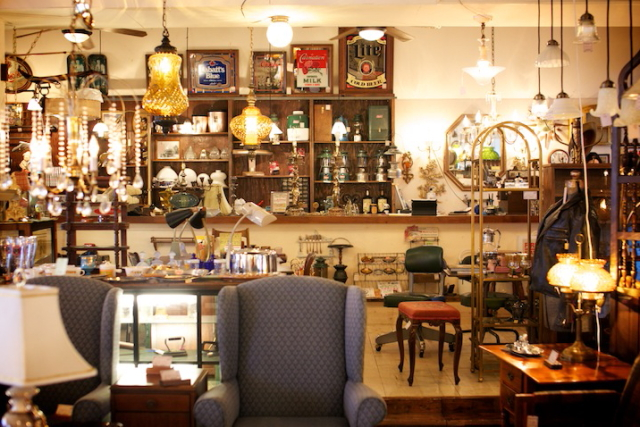 位于宜野湾的复古美国家具「PEARL」