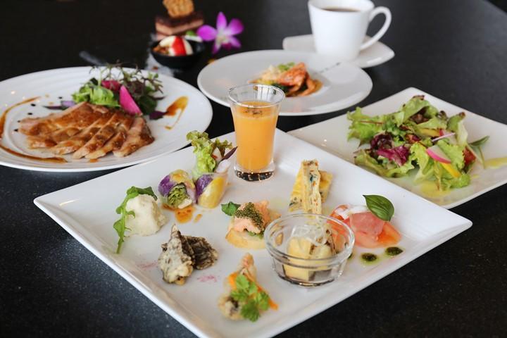 用县产食材烹煮出的义大利料理♪在读谷村的『Regalia Okinawa』,来客犒赏自己的餐点