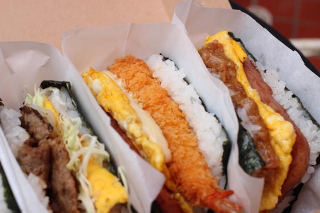 冲绳的传统平民美食「猪肉蛋饭团」专卖店