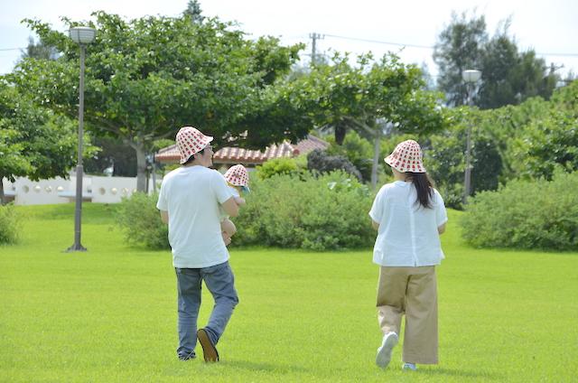 变身为帽子的红瓦屋顶,变身为T恤衫的冲绳地图之冲绳新伴手礼