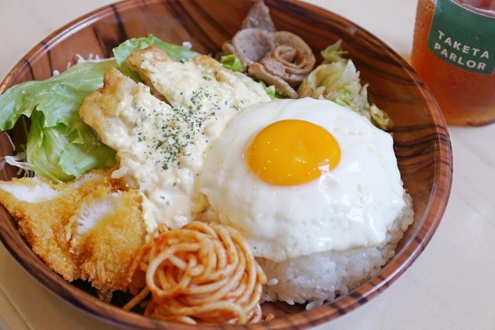 外带冲绳人最爱的午餐A套餐! 「taketa parlor【那霸】」
